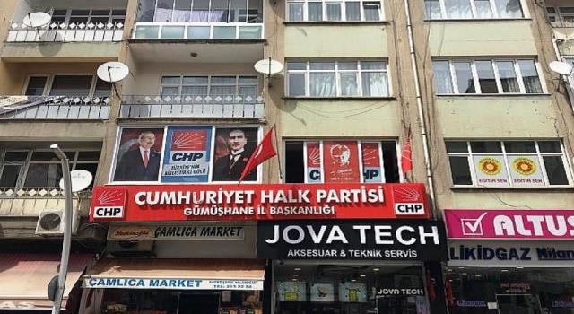 CHP' O Pankartı Asamadı.