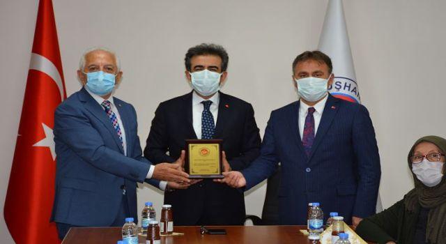 Vali Güzeloğlu GTSO'yu ziyaret etti