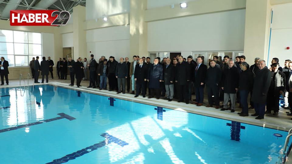 Kelkit'te Yarı Olimpik Yüzme Havuzu Açıldı